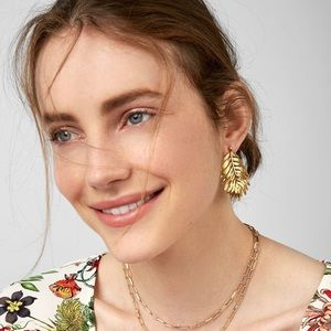 Jewelry - Chic Gold Leaves Stud Earrings